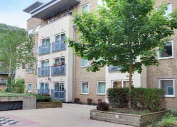 Cline Road, Bounds Green, London N11. 2 bed flat