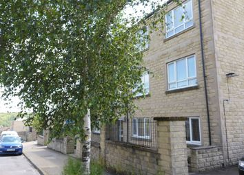 2 bed flat to rent in Claremount Road, Boothtown, Halifax HX3