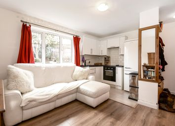 Thumbnail 1 bed flat for sale in Cambridge Gardens, Muswell Hill, London