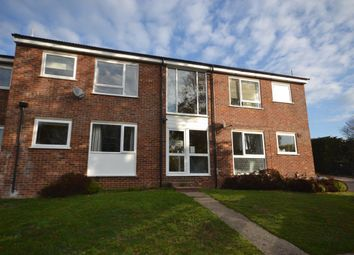 Thumbnail 2 bed flat to rent in Chiltern Park Avenue, Berkhamsted, Berkhamsted