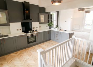 Thumbnail 2 bedroom flat for sale in Carlton Crescent, Southampton
