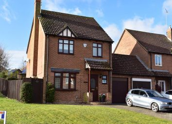 3 bed detached house for sale in Shalbourne Close, Hungerford RG17