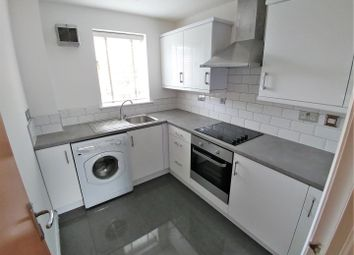 Thumbnail 3 bed flat to rent in Princes Gardens, City Centre