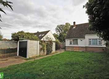 Thumbnail 2 bedroom semi-detached bungalow to rent in Rosehill Close, Hoddesdon
