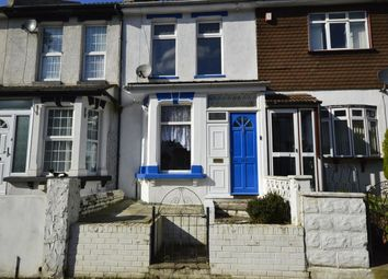 2 bed property to rent in Gordon Road, Strood, Rochester ME2