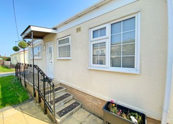 3 bed mobile/park home for sale in Cheveley Park, Grantham NG31