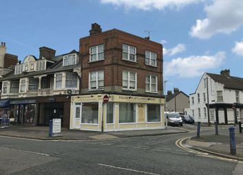 36 Broadway, Sheerness, Kent ME12. 2 bed flat for sale