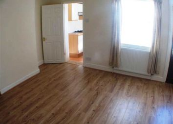Thumbnail 1 bed flat to rent in Sherwood Street, Reading