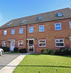 Thumbnail 3 bed town house for sale in Priors Grove Close, Chase Meadow Square, Warwick