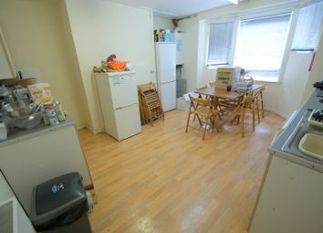 Thumbnail 6 bedroom terraced house to rent in Ebberston Terrace, Hyde Park, Leeds