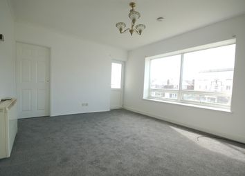 2 bed flat to rent in Clifton Drive, Blackpool FY4