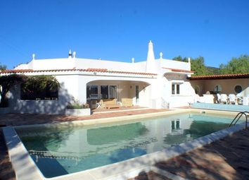 Thumbnail 3 bed villa for sale in Portugal, Algarve, Santa Bárbara De Nexe