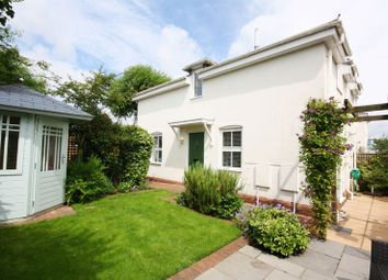 Thumbnail 2 bed cottage for sale in Avon Buildings, Christchurch