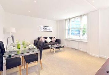 Thumbnail 2 bed detached house to rent in Hill Street, London