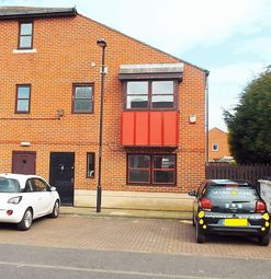 2 bed property to rent in Borough Road, North Shields NE29