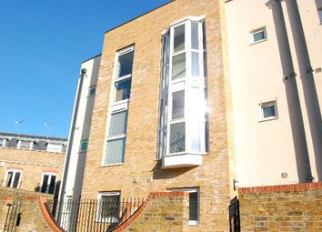 5 bed town house for sale in Hertford Road, London N1