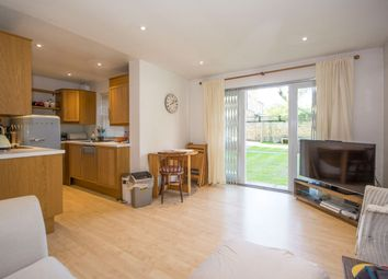 Thumbnail 2 bedroom flat to rent in Chivalry Road, Clapham Junction