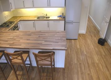 Thumbnail 1 bed town house to rent in Edgeley Road, Clapham, London