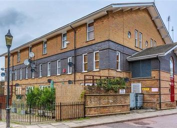 Thumbnail 2 bed maisonette to rent in Leabank Square, London
