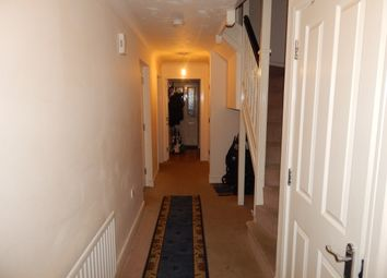 Thumbnail 4 bedroom town house for sale in Primrose Close, Luton
