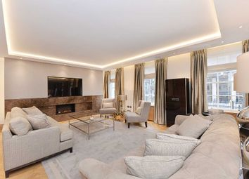 Thumbnail 3 bed flat for sale in Upper Grosvenor Street, London