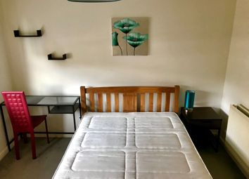 Thumbnail Room to rent in Schooner Close, Canary Wharf, London