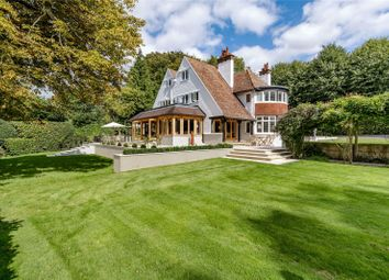 Park View Road, Woldingham, Surrey CR3. 7 bed country house