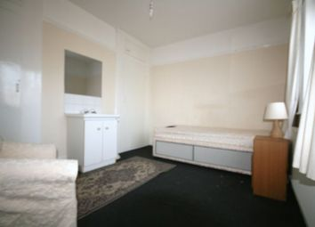 Thumbnail Room to rent in Brentwood Road, Gidea Park, Romford