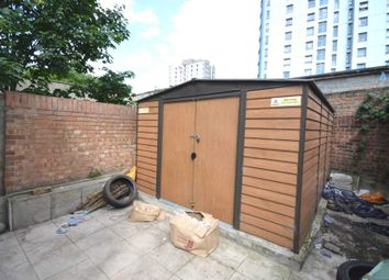 Thumbnail 3 bed detached house to rent in East Road, London