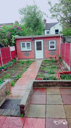 Thumbnail 4 bedroom detached house to rent in Henniker Garden, East Ham London