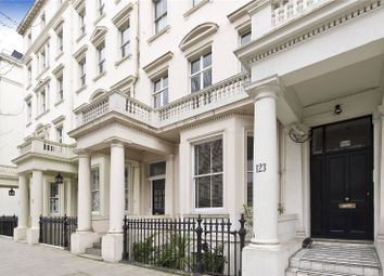 Thumbnail 1 bedroom flat for sale in Queens Gate, London
