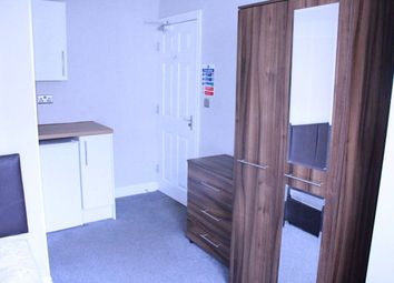 Thumbnail Room to rent in Room 5, Stanhope Road