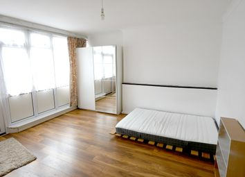 Room to rent in Pinefield Close, London E14