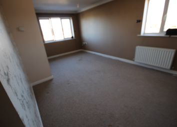 Thumbnail 1 bed flat to rent in Orchid Close, Luton