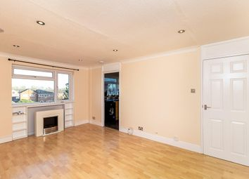 2 bed flat to rent in Ross Close, Saffron Walden CB11