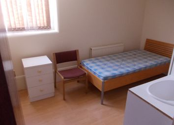 Thumbnail 5 bedroom flat to rent in Wellington Street, Luton