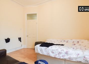 Room to rent in Lydford Road, London W9