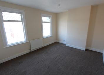 Thumbnail 1 bedroom terraced house to rent in Sutton Court Road, Plaistow