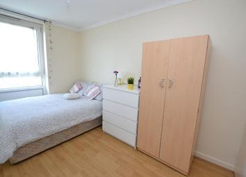 Room to rent in Anson House, London E1