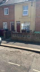 2 bed terraced house to rent in Sherwood Street, Reading, Berkshire RG30