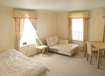 Room to rent in Stewart Street, Canary Wharf E14