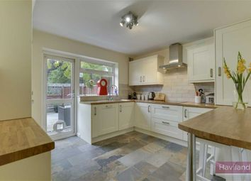 2 bed maisonette for sale in Kent Road, Winchmore Hill, London N21