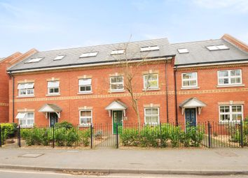 Thumbnail 2 bed flat to rent in Victoria Mews, St Judes Rd, Englefield Green