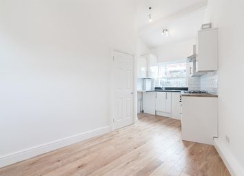 Thumbnail 3 bed flat to rent in Stoke Newington High Street, London
