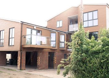 2 bed flat to rent in Normandy Street, Alton GU34