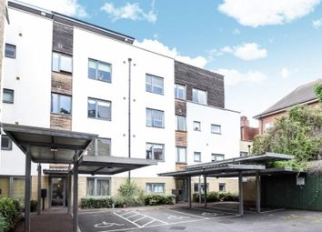 Thumbnail 2 bed flat to rent in Clapham Park Road, London
