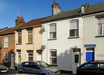 3 bed property to rent in Cowper Street, Luton, Bedfordshrie LU1