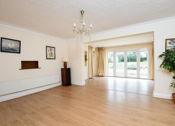 Thumbnail 4 bed detached house to rent in Broughton Avenue, Finchley