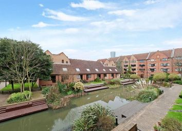 Thumbnail 1 bed flat for sale in Leerdam Drive, Canary Wharf, London