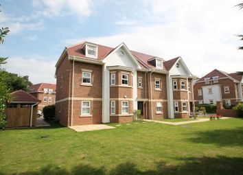 Thumbnail 2 bed flat to rent in Wiltshire Road, Wokingham